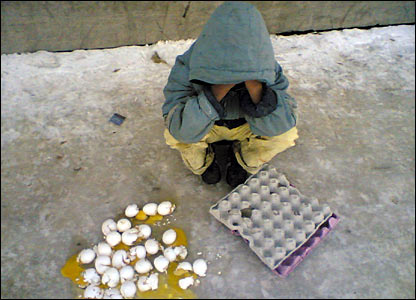 منظور از عکس اینه که همه چیز را ازدست میدهیم واحساس فقر میکنیم